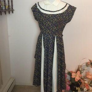 Vintage dress looks homemade no size M